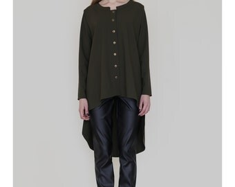 Long back shirt with metal buttons