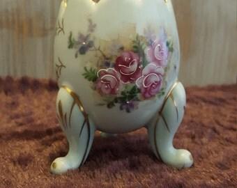 Vintage 1962 Inarco Pocelain China egg