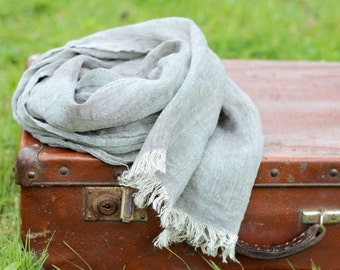 GRAY/GREY linen scarf with fringes