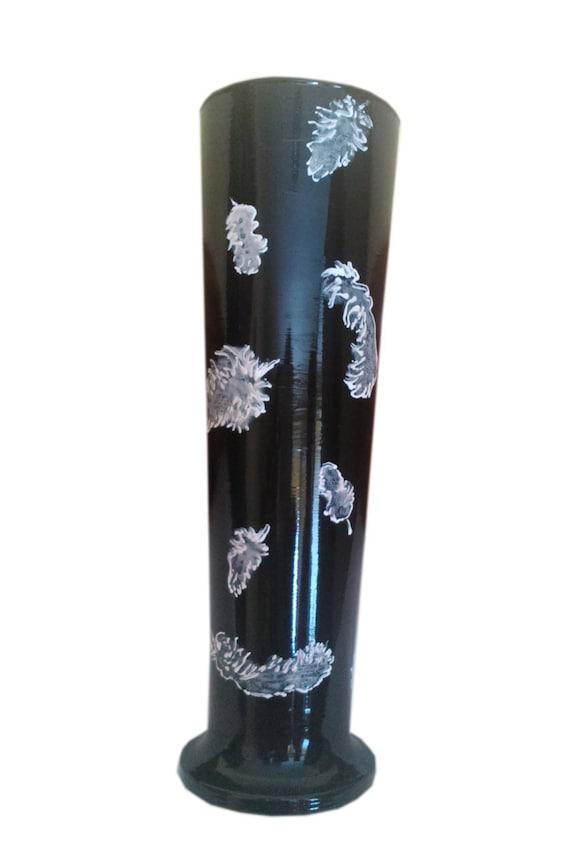 schwarze vase mit wei en federn glasvase hand bemalte vase. Black Bedroom Furniture Sets. Home Design Ideas