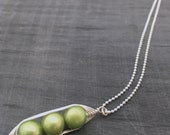pea pod necklace. Three peas in a pod with green freshwater pearls. pea pod jewelry, gift for mom, sister, or best friend. Mothers day gift