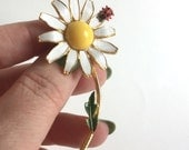 Vintage Daisy Flower Brooch - White Petals with Yellow Center, Red Ladybug, Green Leaf, Gold Stem, Signed Weiss - Floral Garden Flower Power