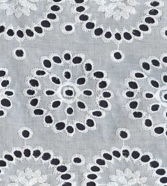 Sweet cotton embroidered eyelet fabric medallions