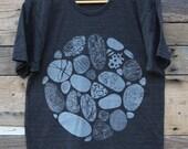BEACH STONES - Men's Tri-Blend T-Shirt