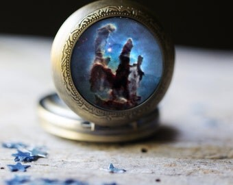 Pillars of Creation Nebula Pocket Watch Necklace - Outer Space Jewelry, Pocketwatch Locket Pendant - Pretty Science Gift - Galaxy Jewellery