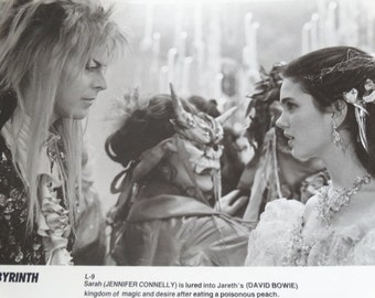1986 Labyrinth Press Photograph, David Bowie, Jennifer Connelly, Magic Kingdom, Desire after eating poisonous peach, Tri Star Pictures