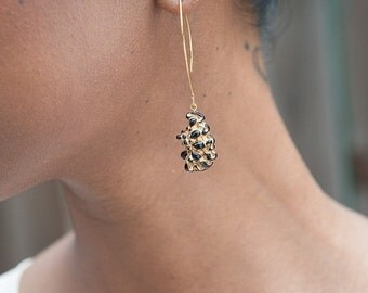 Vintage Black and Gold Lucite Berry Earrings, Black and Gold Earrings,Vintage Earrings