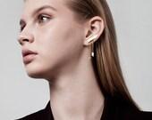 Liam Earrings, Long Chain Earrings, Gold Climber Earrings, Gold Ear Climber Earrings, Gold Geometric Earrings, Ear Bar, Ear crawler Gold
