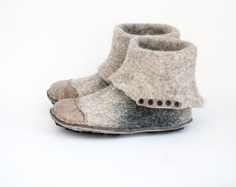 Handmade natural  wool and leather shoes ankle boots flat Natural wool felt booties Gray