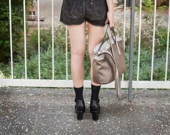 Classic Unisex Taupe Leather Crossbody Bag, Laptop Bag, Everyday Urban Handbag, Zipper Fastening Messenger Bag, Women & men Working Handbag