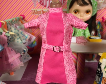 Super Mod Pink Swirl Design Blythe Doll Dress