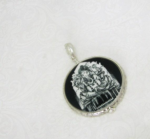 Ganesh Photo Pendant, Personalized Keepsake Jewelry - FP16F