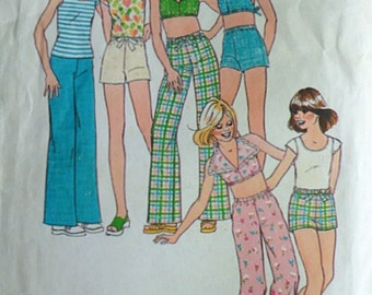 Simplicity 6952 Vintage 70's Sewing Pattern, Girls' Pants or Shorts, Pullover Top and Halter-Top, Size 7, Retro Mod Summer Fashion