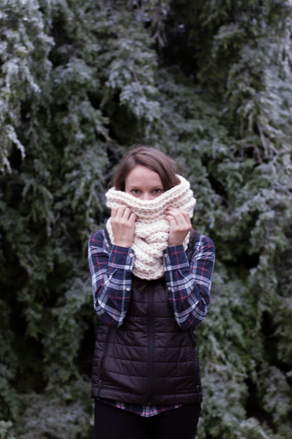 Chunky Textured Ribbed Cowl Scarf Thermal / THE NOORVIK / Fisherman