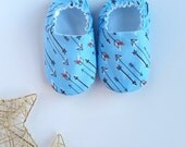 Reversible Baby Shoes, Doodle Arrows