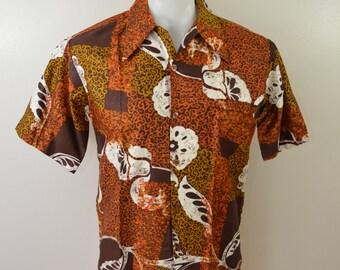 Vintage BAREFOOT in PARADISE Hawaiian Shirt size Small Made USA box hem loop collar