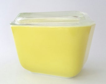 Yellow Pyrex Refrigerator Dish with Lid