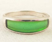 Size 10 Vintage Sterling Bright Green Enamel Inlay Ring