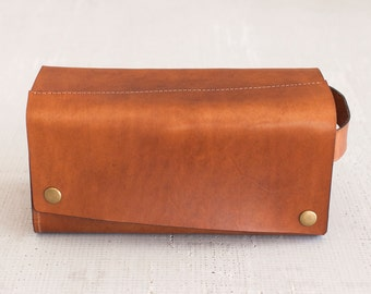 """Tan Leather Toiletry Bag/ """"Dopp Kit"""" by Fullgive in Java"""