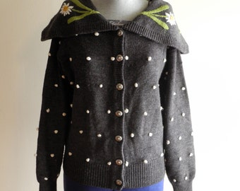 Charcoal grey 90s DAISY puff ball cardigan sweater sz. Small