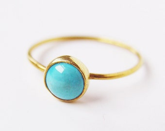 ON SALE Turquoise Round Gold Ring