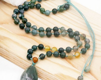 Blissful and optimistic (unisex) necklace - moss agate and chlorite phantom