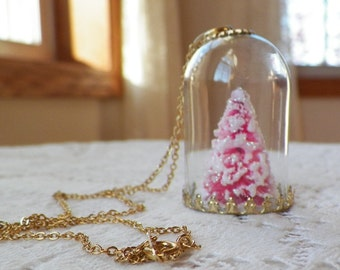Miniature Cloche Dome / Winter Scene, White Glitter / Snow Covered Tiny Pink Bottle Brush Tree, Pendant, Snow Globe, Glass Dome, Diorama
