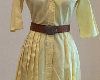 1950s 1960s Shirtwaist Dress -  Pale Yellow Day Dress - Button Down Pleated Skirt - Classic Housewife Dress - Traditional - 36 Bust