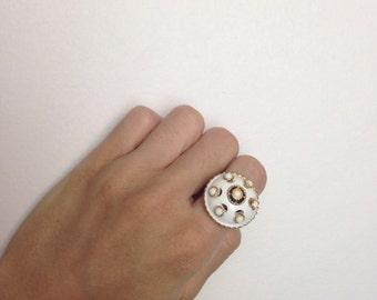 VTG 60s Mod Large Ring Goldtone Metal Mid Century