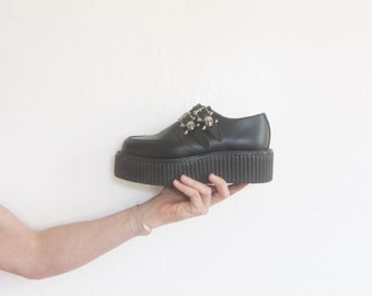 rare 1990s DOOM creepers . skull and crossbone buckle . hipster goth .size 7 .sale