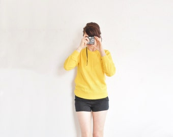 YELLOW izod lacoste alligator sweater . handsome preppy jumper .small.medium .sale