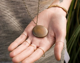 Simple Locket Necklace, Dark Antique Locket Round Vintage Necklace, Brass Locket, Men's Necklace Long Pendant Necklace, Large Locket Jewelry