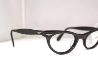 1950s Cats Eye Eyeglasses // 50s Vintage Hollywood Glamor Cateye // Pearlised Grey