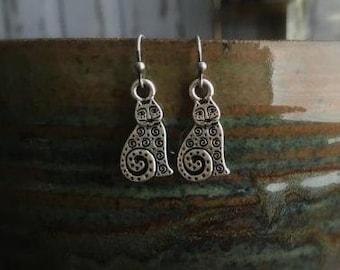 Cat Earrings, Cat Lovers, Animal Lover, Dangle Earring, Vintage Style Earrings, Drop Earrings