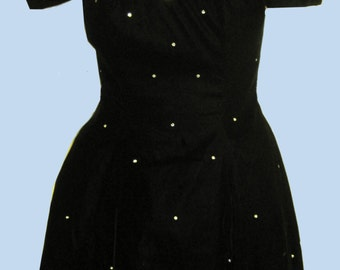 Vintage 1950's Black Velvet Dress with Pearls  & Netting Sz 5-6 (vintage)