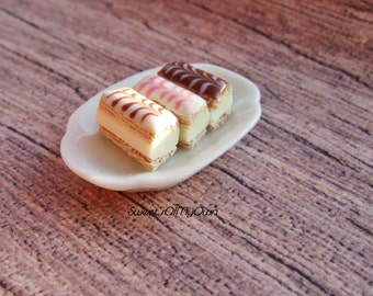 Miniature Custard Slice - Iced Custard Slices in Miniature - Bakery Item for Doll House 1:12 Scale