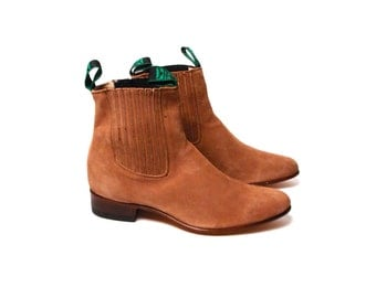 Milk Chocolate Suede Beatle Ankle Boots with Double Finger Pulls in Perfect Vintage Condition // Men's size 10