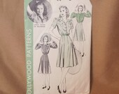 SALE...Vintage 40's Sewing Pattern, Hollywood Pattern 616, Size XS to Small, Bust 34, Blouse or Shirt and Full Gored Skirt in Variations