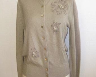 Vintage 50s Beige Orlon Beaded Pin Up Girl Cardigan Sweater