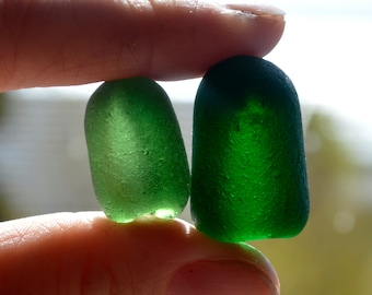 GREEN STOPPER PAIR - Sea Glass Bottle Top - Seaham - End of Day (4376)