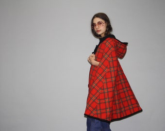 1960s Vintage Pendleton Reversible Red and Black Plaid Wool Cape - Vintage 60s Wool Capes  - Vintage Plaid Pendlton  - WO0672