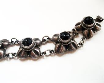 1940s silver Bracelet rosettes jet Mexico silver
