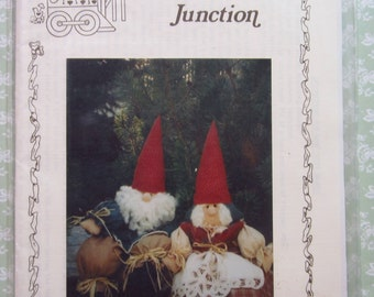 Home Sweet Gnomes by Ginger Snap Junction Sewing Pattern UNCUT Vintage 1990's