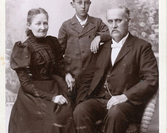 Vintage Photo, Cabinet Photo, Formal Family Portrait, Black & White Photo, Victorian Photo, Studio Portrait, Found Photo AUGUSTINE10013