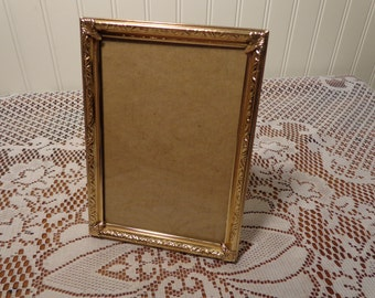 Vintage Gold Picture Frame - 5 x 7 Photo Frame  -  16-165A