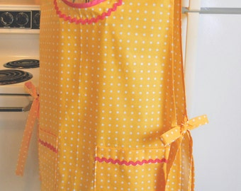Vintage Retro Style Smock Cobbler in Bright Yellow