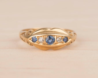 Diamond and Blue Spinel 18k Yellow Gold Edwardian Ring
