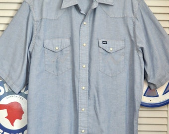 Vintage 60s Mens Western Shirt Wrangler Denim Blue with Orange Contrast Stitch Short Sleeve Cowboy Pearlescent Snaps 2 Pocket Large Work