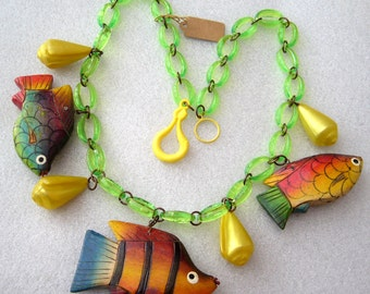 Vintage plastic shells & hand painted wood fishes necklace
