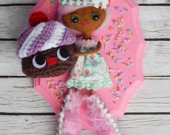 Love my Cupcake Felt Doll Wall Art